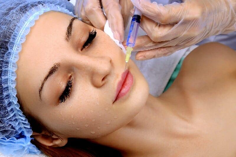 Kauneushoitola BellaHelena Oulu Botox Hyaluronihappo Täyteainehoidot Huuliin - Täyttöhoidot Oulu Mesolangat Hyaluroni Botuliini